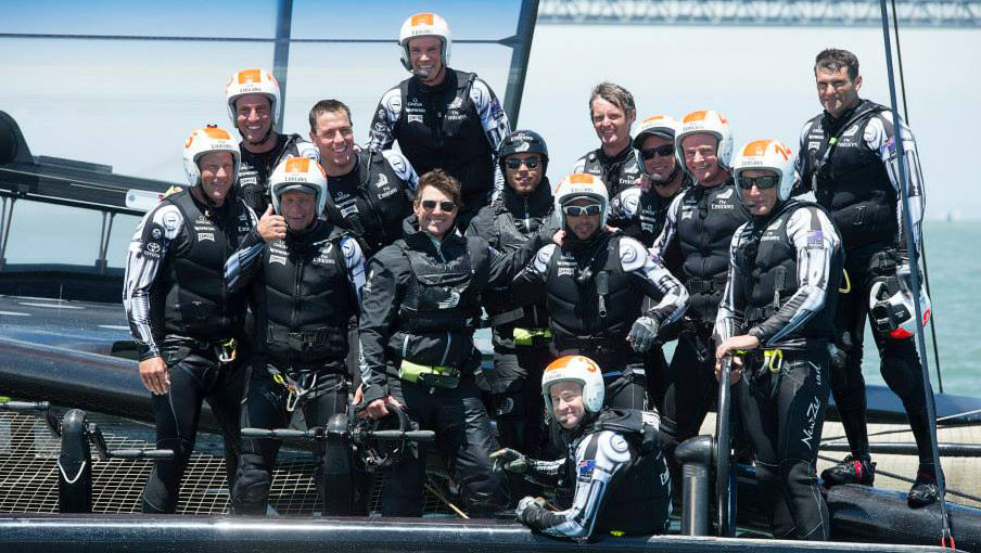 Tom-cruise-with-team-new-zealand