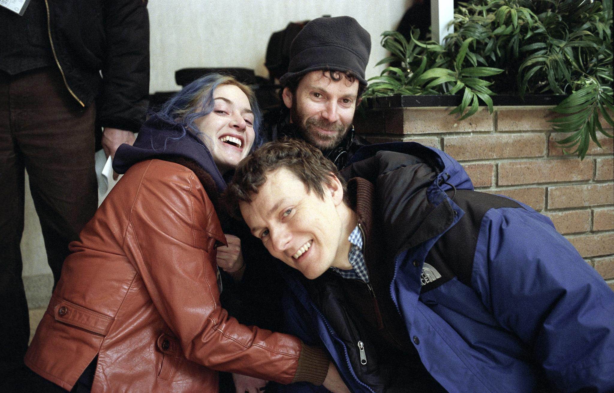 kate-winslet,-michel-gondry-and-charlie-kaufman-in-eternal-sunshine-of-the-spotless-mind
