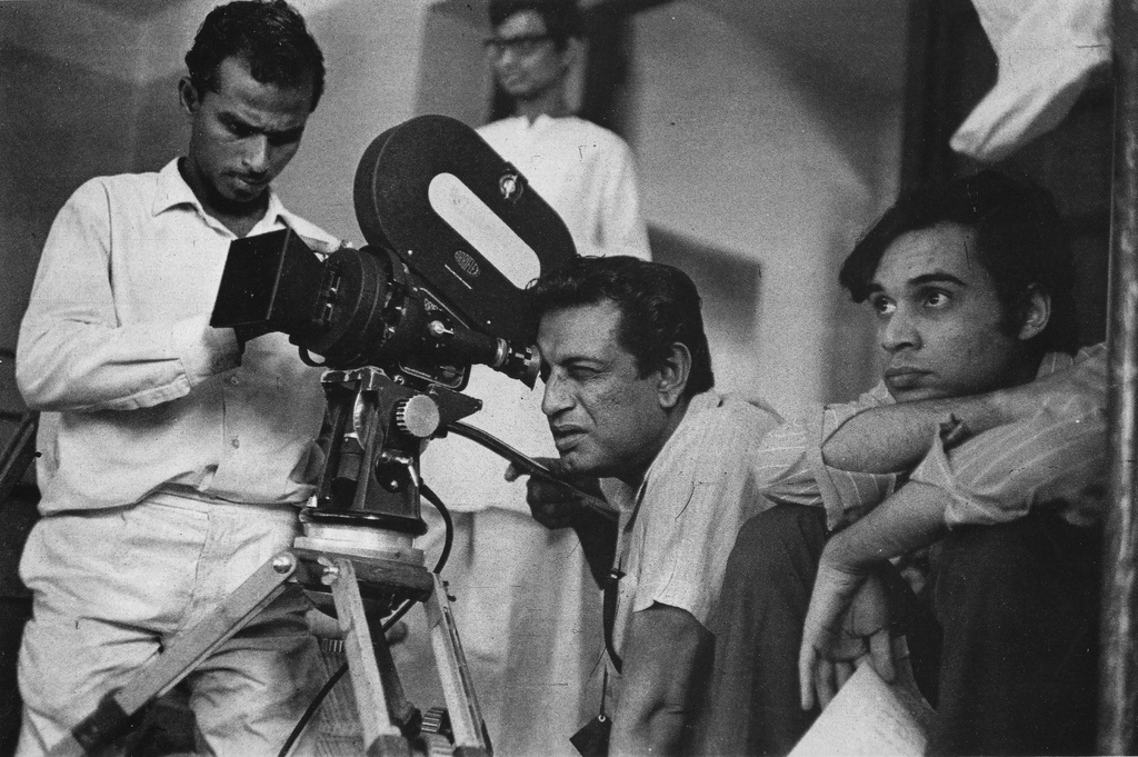Ray sul set di Pratidwandi