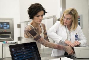 "BLINDSPOT -- ""Pilot"" -- Pictured: (l-r) Jaimie Alexander as Jane Doe, Ashley Johnson as Patterson -- (Photo by: Virginia Sherwood/NBC)"