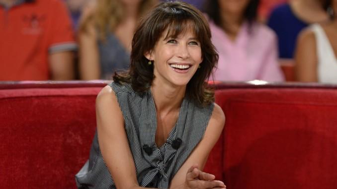 sophie-marceau-vivement-dimanche-french-tv-show-in-paris-sept-2014_3