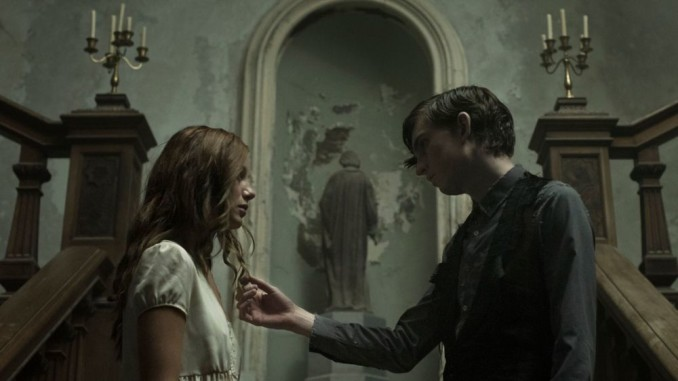 the-lodgers-2